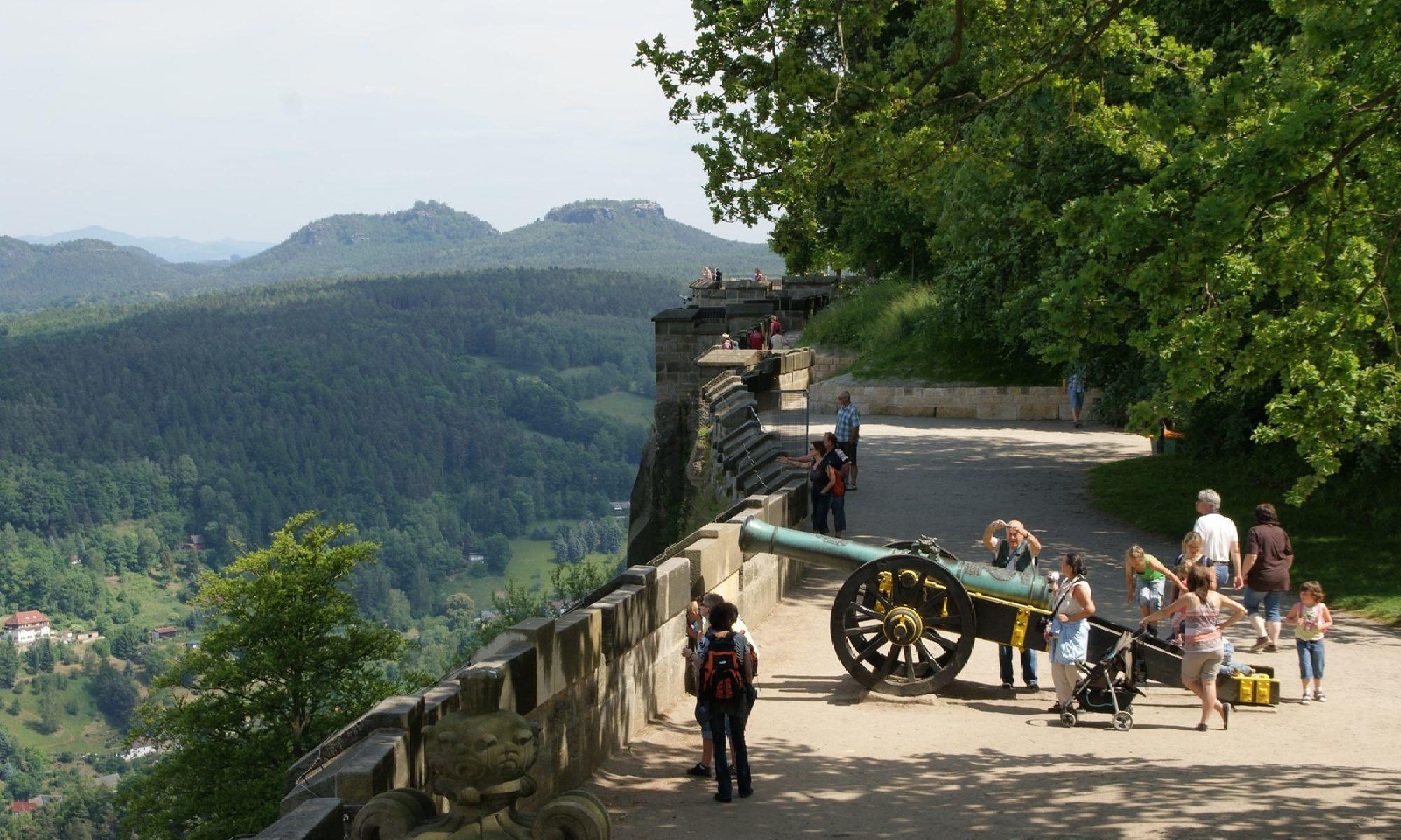 Außenmauern der Festung Königstein