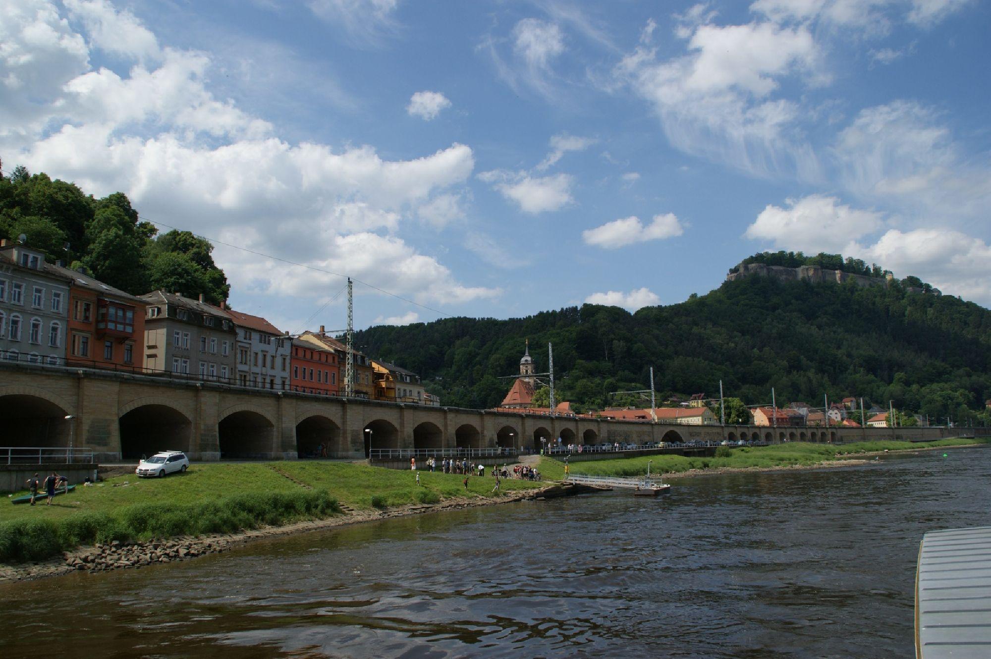 Brücke über der Elbe