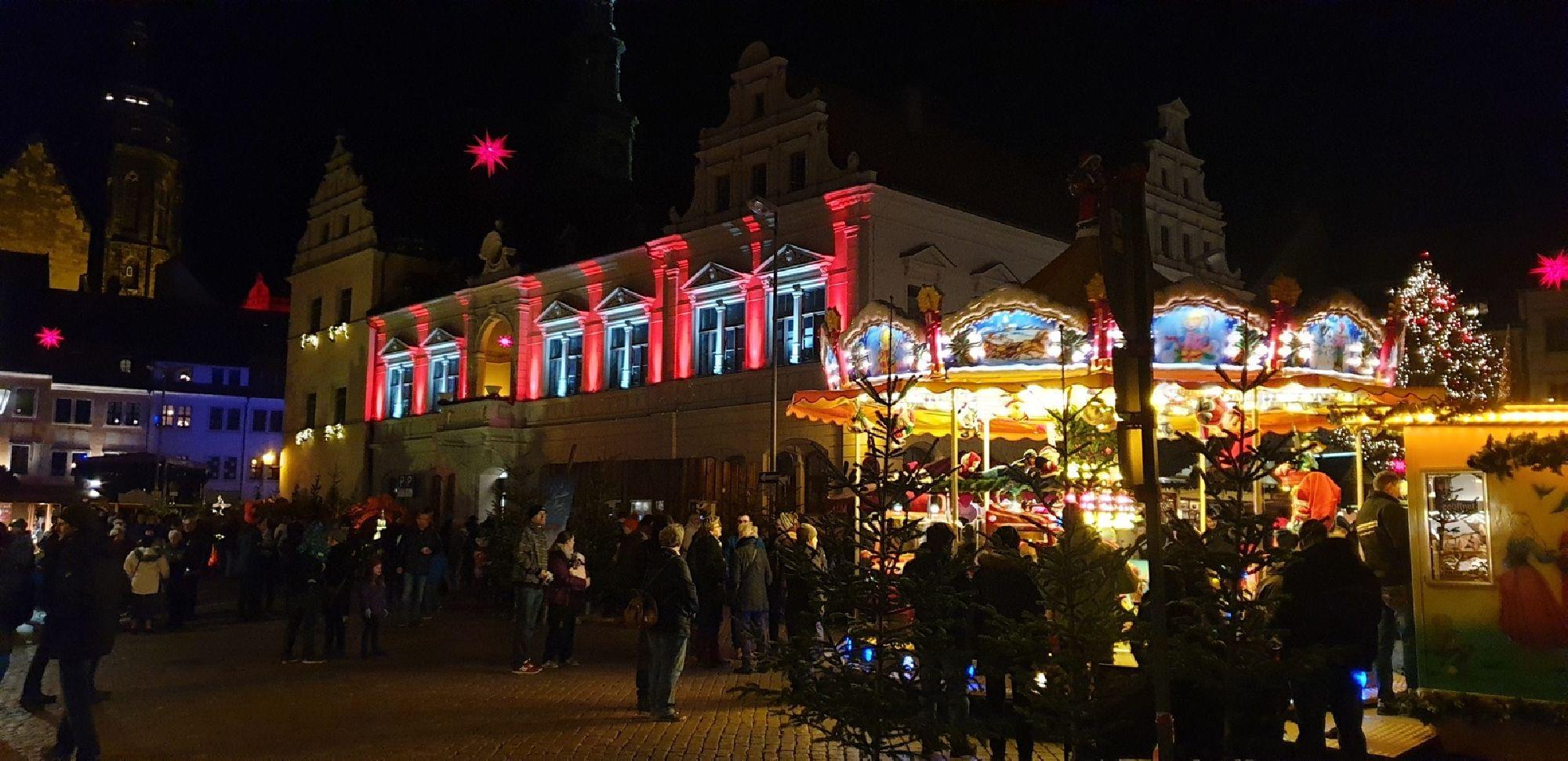 Karussell auf dem Canalettomarkt Pirna